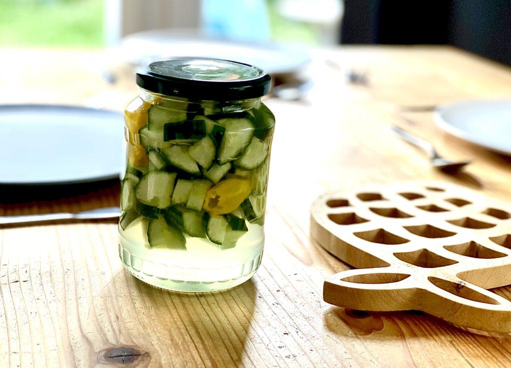 Pittig ingelegde komkommers - De Heeren van Pedis